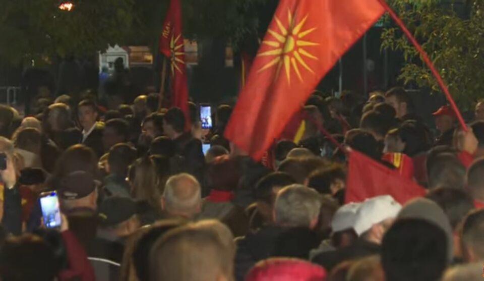 Мицкоски до Заев – Ќе го бришел од плочите од НОБ бугарски, ќе ја брише историјата, Македонија нема да се предаде пред вашите приказни, нема да ви поминат поделбите